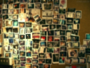 na parede