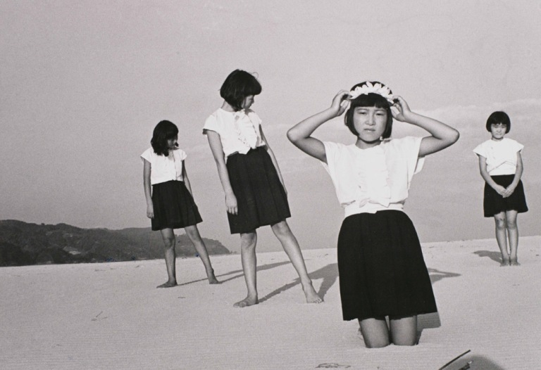 shoji-ueda-girls-1945.jpg